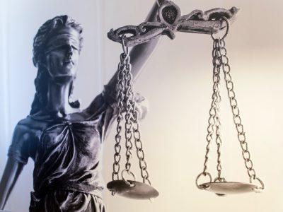 Afbeelding voor Rechter vernietigt boetes van dementerende