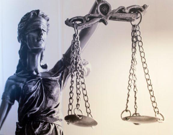Afbeelding voor Column: De rechtsbescherming is een zorgenkindje